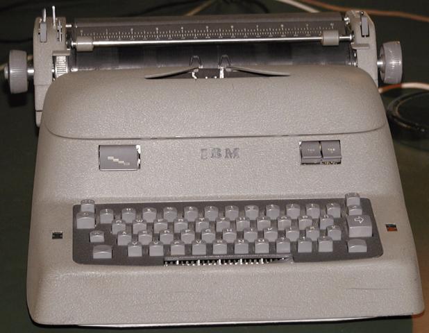 1925, Maquinas de escribir eléctrica IBM