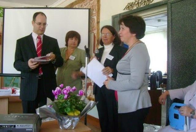 Стали традиционными областные конкурсы проектов, проведение семинаров на базе образовательных орагнизаций.