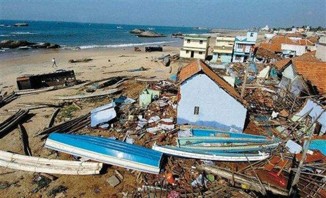 Tsunami hits Sri Lanka