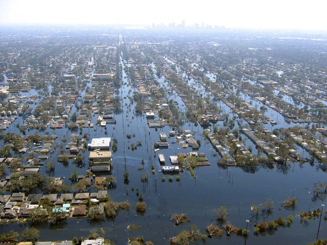 Hurricane Katrina causes a huge amount of damage, causing more than 1000 people to die and millions homeless.