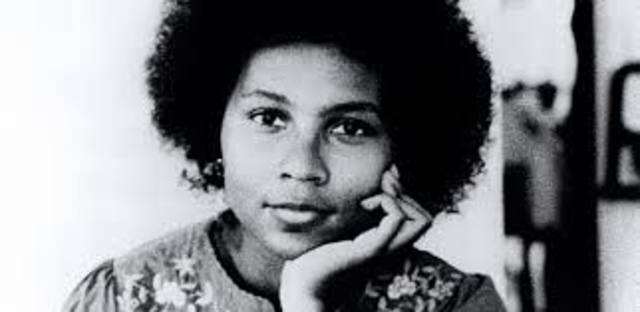 1984: bell hooks and The Feminine Mystique