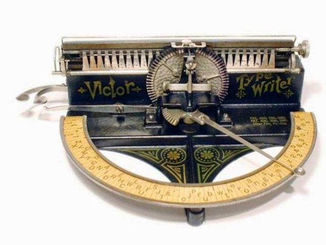 Patente de la primera maquina de escribir
