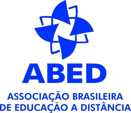 EAD NO BRASIL: INTERNET - 2000