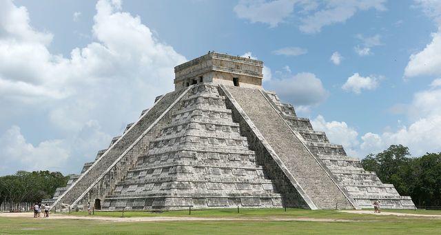 MAYAS DEL CLÁSICO 250 AL 900 D.C.