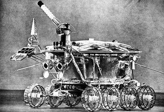 le premier robot