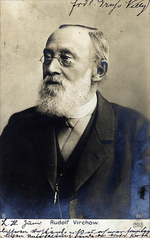 "1858 Rudolf Virchow, publica ""Cellulapathologie"""