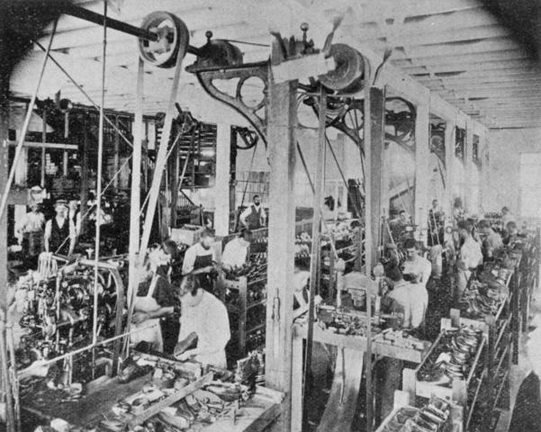 https://s3.amazonaws.com/s3.timetoast.com/public/uploads/photos/9459836/StateLibQld_1_52836_Workers_in_a_boot_making_factory__South_Brisbane__1900.jpg?1485501254 American