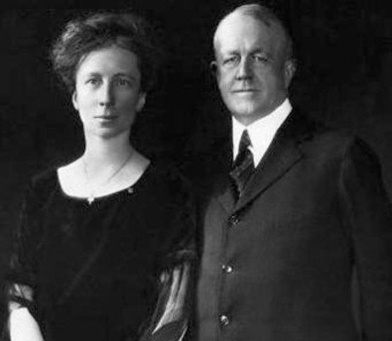 Frank Y Lillian Gilbreth