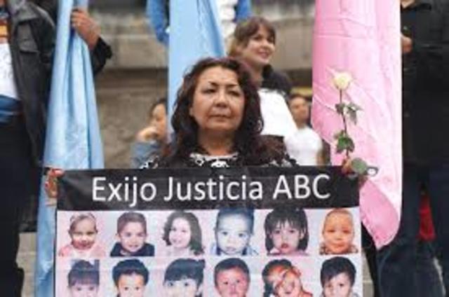 MARCHA DEBIDO A LO OCURRIDO EN GUARDERIA ABC 2009