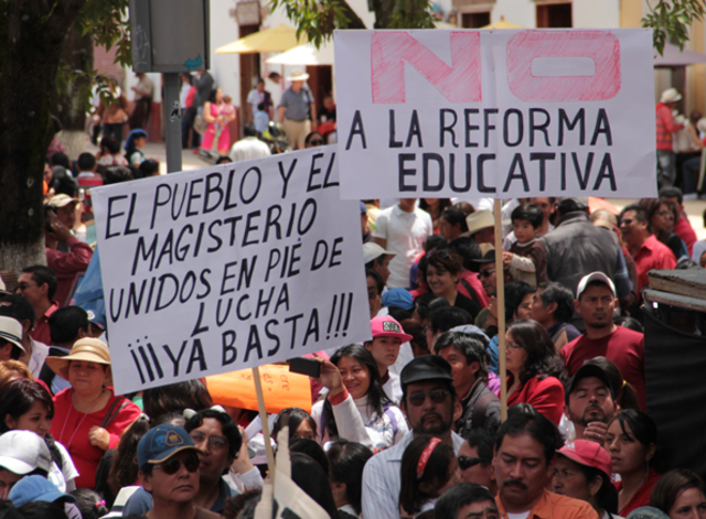 MOVIMIENTO MAGISTERIAL CONTRA LA REFORMA EDUCATIVA 2013