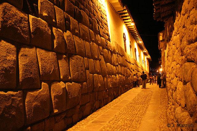 Palacio de Inca Roca