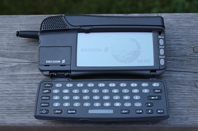 Primer Smartphone de la historia