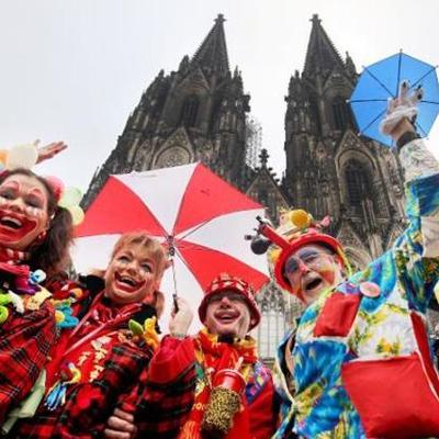 Molly's Karneval in Köln timeline