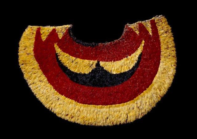 Ahu 'ula (feather cape)