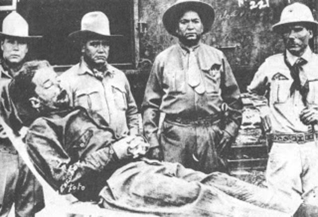 Muere en un encuentro con el Ejército el General Enrique Gorostieta en la Hacienda del Valle, cerca de Atotonilco el Alto, Jalisco