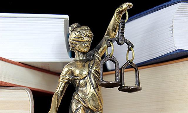 Pensamiento jurídico realista, Insurgente y textos