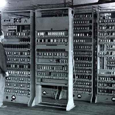 TP1 - Historia de la Computacion - Paulina Galván 1º 4º timeline