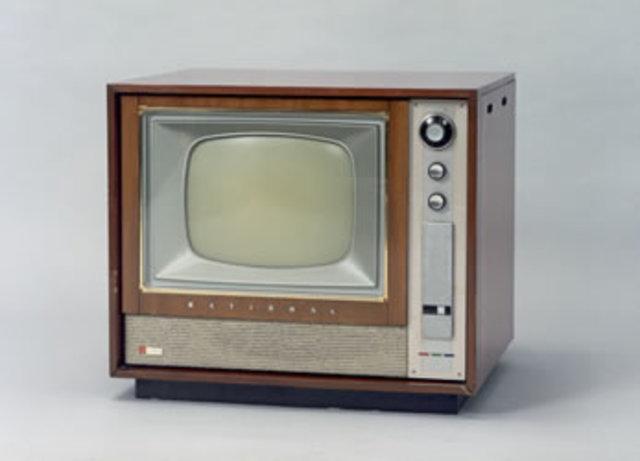 Televisión satelital