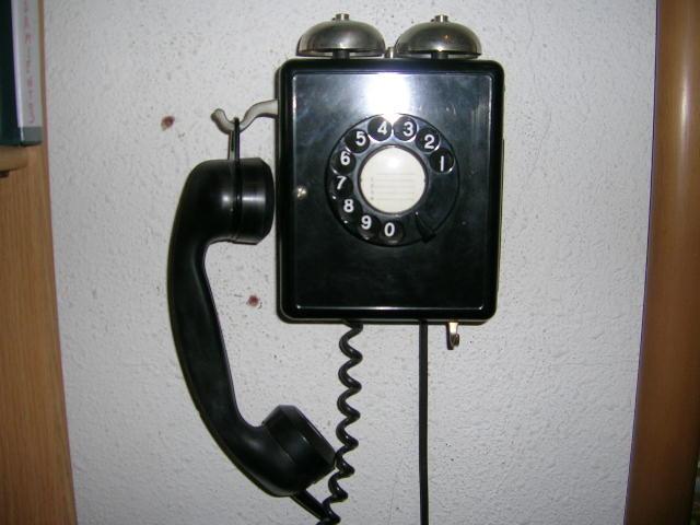 EL TELÉFONO DEL PUEBLO