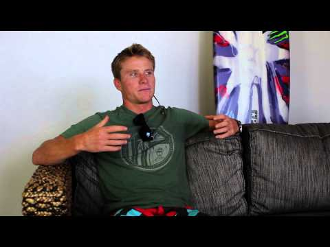 How a Big Wave Surfer Uses Technology thumbnail