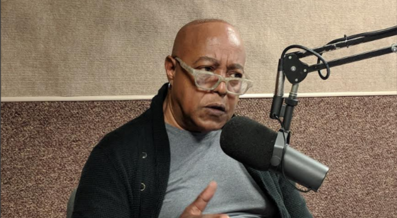 Peabo Bryson Stops By Real Talk To Remember Aretha Franklin