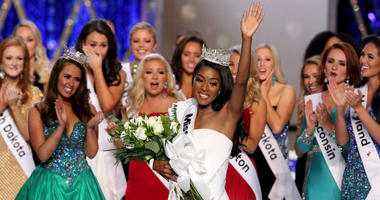 Casting Call: Miss America has her crown, but pageant contestants and baseball fans are needed as extras this week.