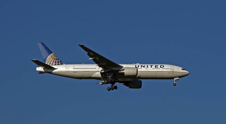 0c670cb68b77 United Airlines Raises Cost To Check Bag After Move By JetBlue ...