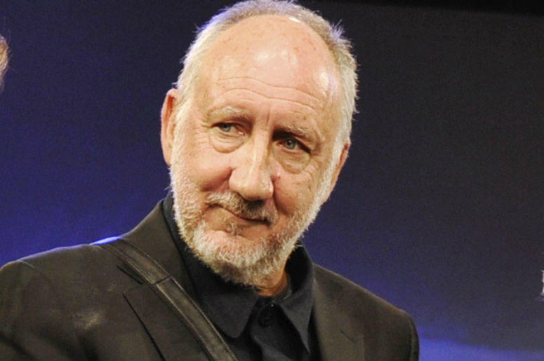 The Who's Pete Townshend (C) is honored with the Les Paul Award at 2013 Technical Excellence & Creativity Awards