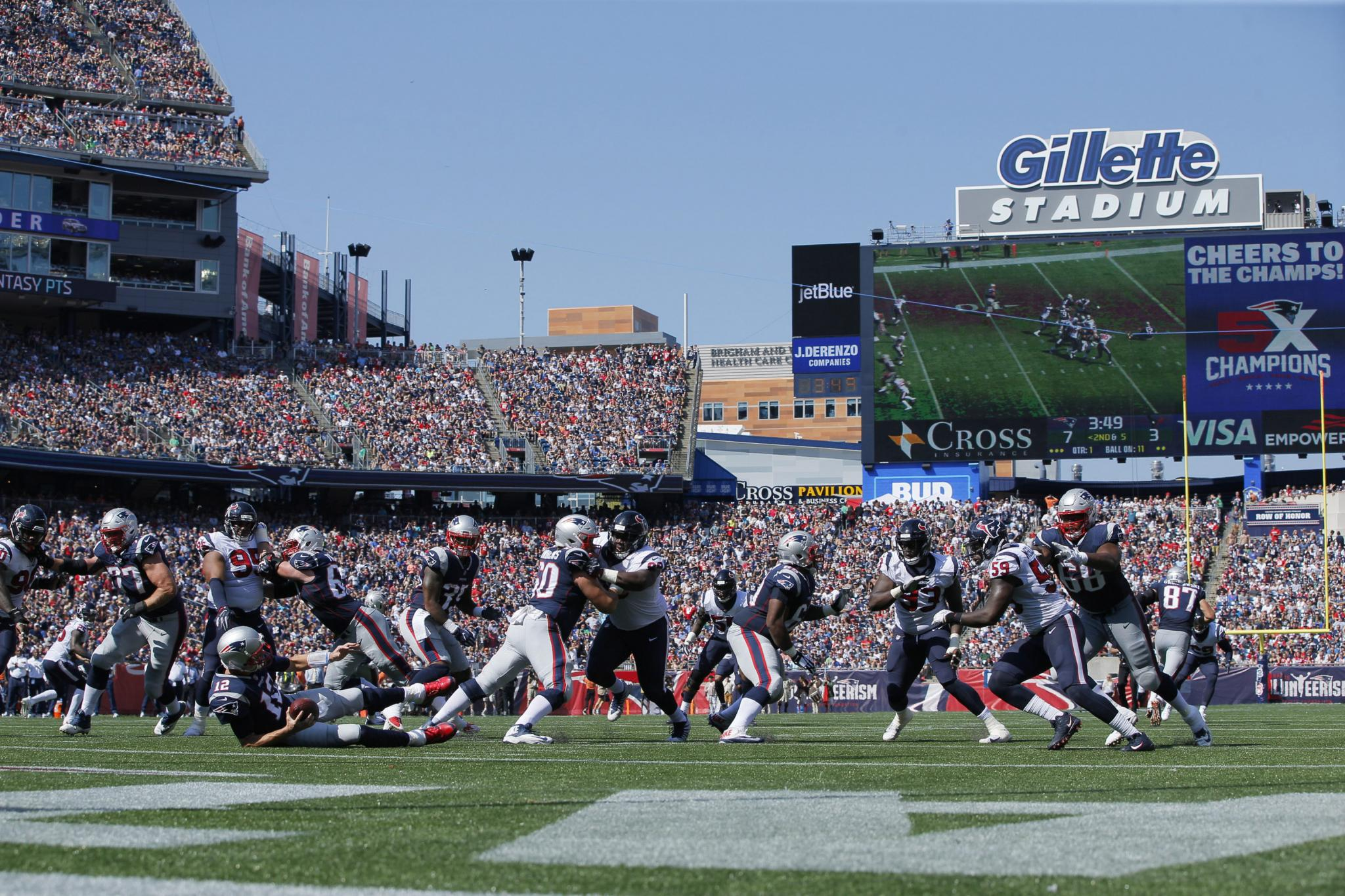 Gillettestadium_092617_butler_david_usatoday