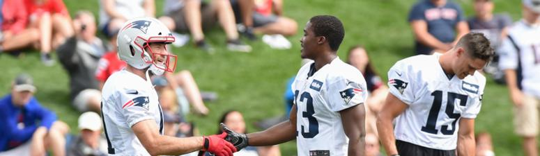 Patriots wide receiver Phillip Dorsett suffers injury in practice Tuesday