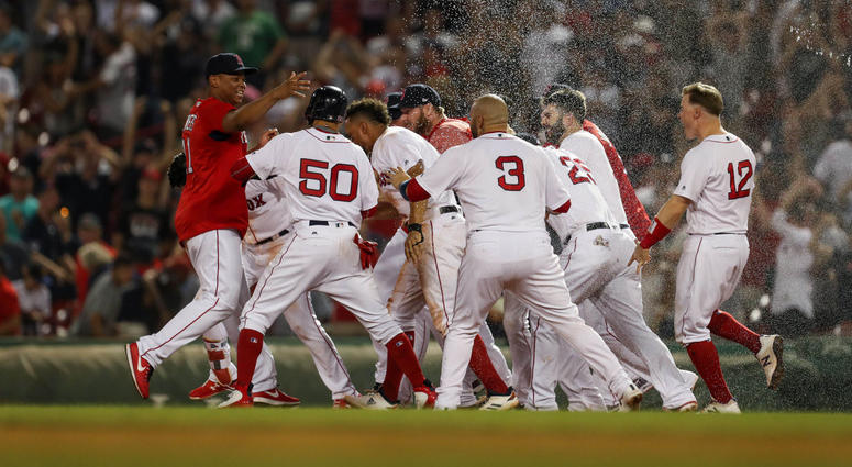Red Sox celebrate walkoff win