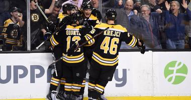 Bruins 7, Blackhawks 4: Bruins find power from 2nd power-play unit
