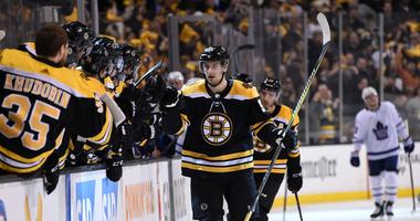 Bruins sign Sean Kuraly to three-year deal