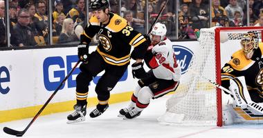 Chara not planning for 900 games with Bruins to be last milestone