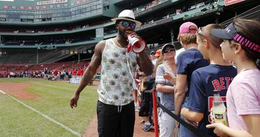 Hanley Ramirez not signing yet is an odd look