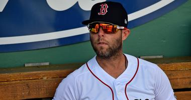 Dustin Pedroia exits in second inning with left knee discomfort