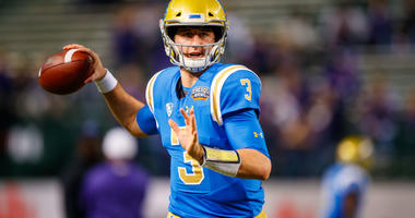 UCLA QB Josh Rosen prior to the game against the Kansas State Wildcats in the 2017 Cactus Bowl at Chase Field in Phoenix, AZ.