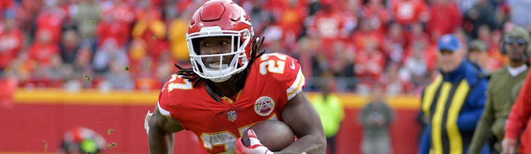 Nov 11, 2018; Kansas City, MO, USA; Kansas City Chiefs running back Kareem Hunt (27) runs the ball during the second half against the Arizona Cardinals at Arrowhead Stadium. The Chiefs won 26-14. Mandatory Credit: Denny Medley-USA TODAY Sports