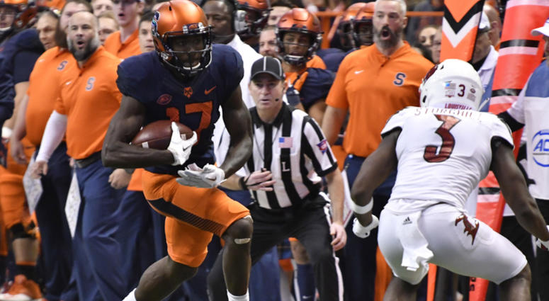 College Football Syracuse Beats Louisville 54 23 Ahead Of Notre Dame