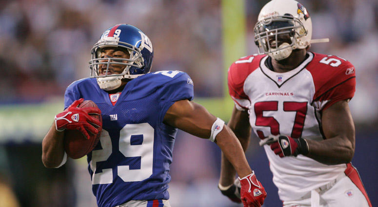 The Giants' Chad Morton returns a punt for a touchdown against the Arizona Cardinals on Sept. 11, 2005, at Giants Stadium.