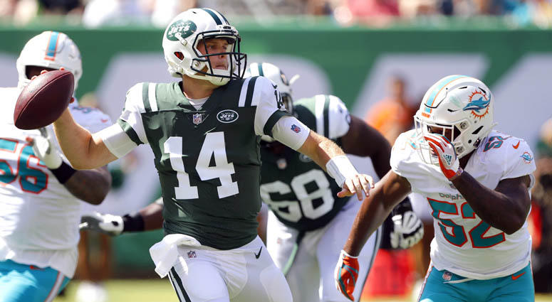 Jets quarterback Sam Darnold looks to pass against the Jets on Sept. 16, 2018, at MetLife Stadium.