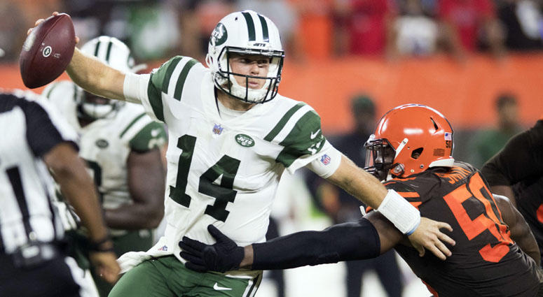Browns defensive end Chris Smith pressures Jets quarterback Sam Darnold on Sept. 20, 2018, at FirstEnergy Stadium in Cleveland.