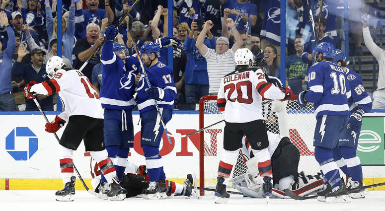 killorn scores twice lightning beat devils 5 3 in game 2 wfan