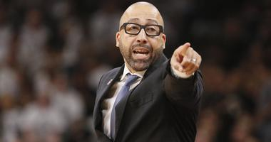 David Fizdale gives direction to his team against the San Antonio Spurs on Apr 15, 2017 in San Antonio, TX, USA. Mandatory Credit: Soobum