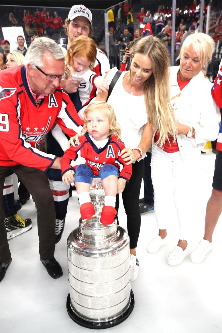 Nicklas Backstrom #19 of the Washington Capitals and his family