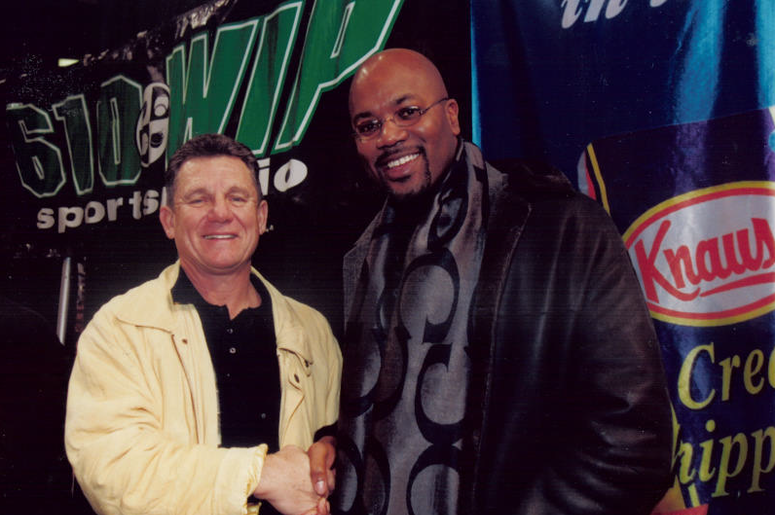 Larry Bowa and Billy King - Wing Bowl 9