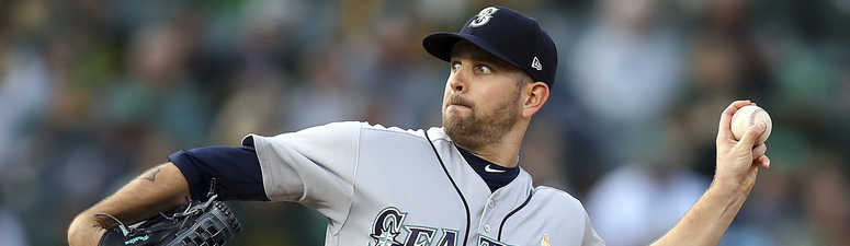 Yankees get James Paxton from Mariners for Sheffield, 2 others
