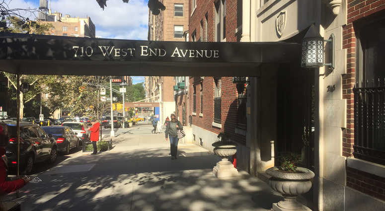 Woman, 70, found with throat slashed in UWS apartment