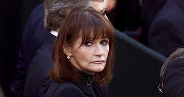 "In this Oct. 3, 2000 file photo, actress Margot Kidder, who dated former Prime Minister Pierre Trudeau, arrives for his funeral at Notre-Dame Basilica in Montreal, Quebec. Kidder, who starred as Lois Lane in the ""Superman"" film franchise of the late 1970s"