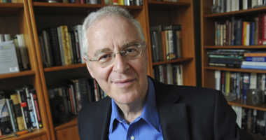 Move over comedians: Author Ron Chernow to speak at White House correspondents' dinner